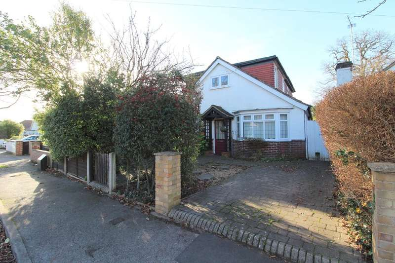 4 Bedrooms Chalet House for sale in Kings Avenue, Sunbury-on-Thames
