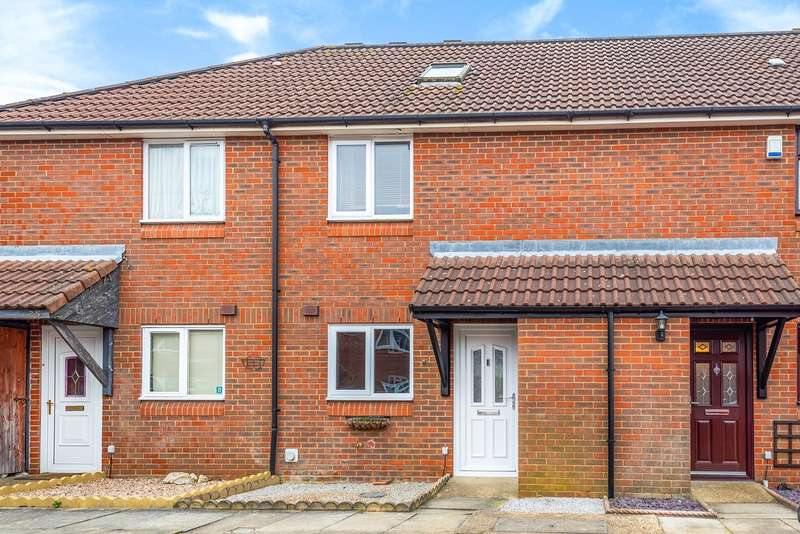 3 Bedrooms Terraced House for sale in Shelton Avenue, Toddington, LU5