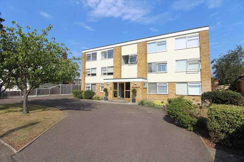 2 Bedrooms Apartment Flat for sale in Marine Estate Leigh on Sea
