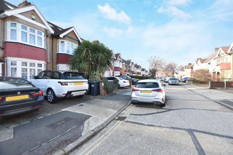 4 Bedrooms Semi Detached House for sale in Oaklands Avenue, Osterley