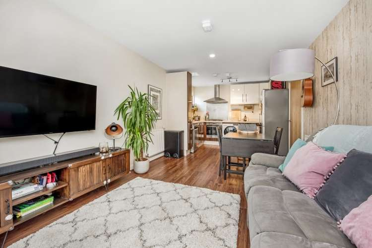 2 Bedrooms Flat for sale in Dragonfly Place Brockley SE4
