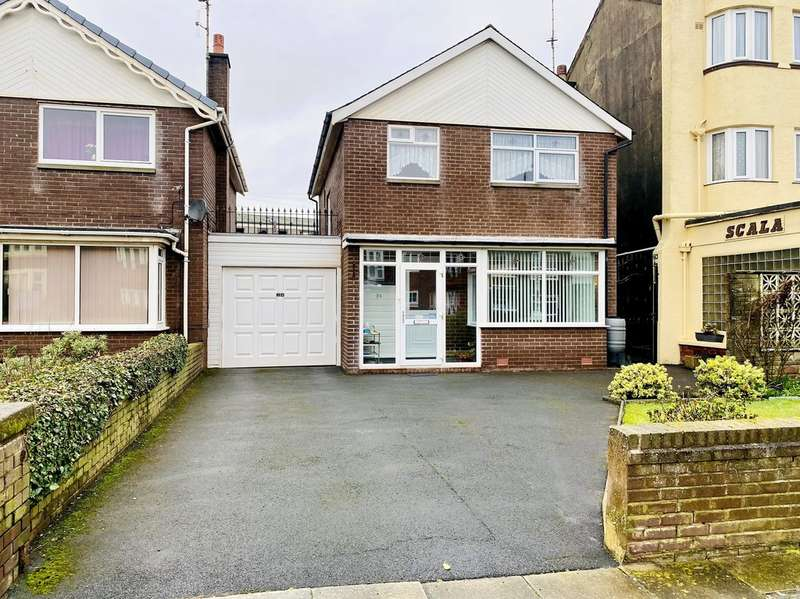 3 Bedrooms Detached House for sale in Clifton Drive, South Shore FY4