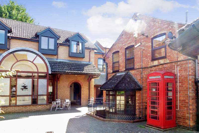 1 Bedroom Apartment Flat for sale in Cranleigh House, Rushden, Northants
