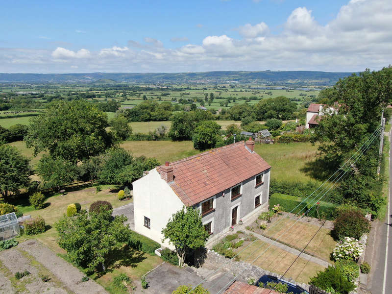 4 Bedrooms Detached House for sale in Fantastic opportunity for renovation near Wedmore
