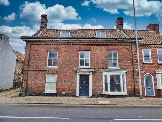 5 Bedrooms Property for sale in Station Street, Swaffham, Norfolk, PE37 7LL