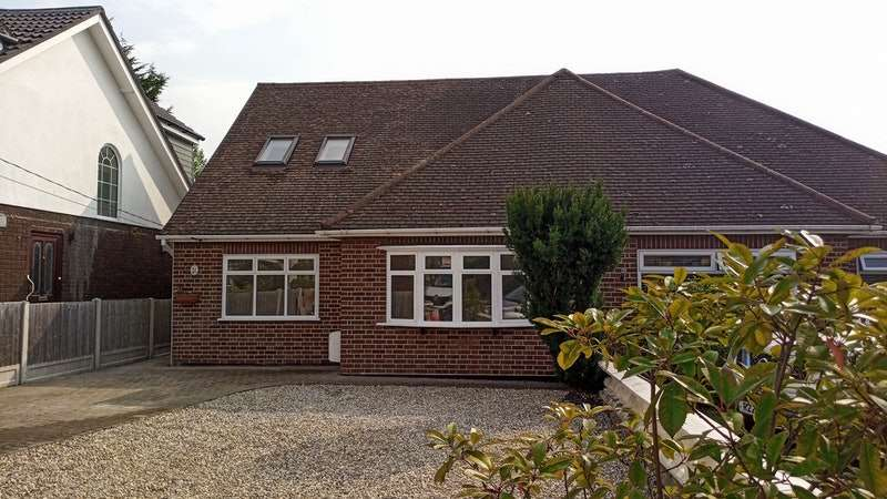 4 Bedrooms Semi Detached House for sale in Brock Hill, Wickford, Essex, SS11