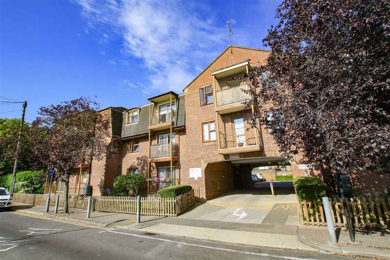 1 Bedroom Retirement Property for sale in Portchester Court, Leigh-On-sea, Essex