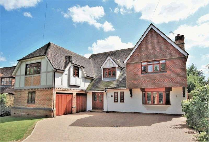5 Bedrooms Property for sale in Ridgeway, Hutton Mount, Brentwood