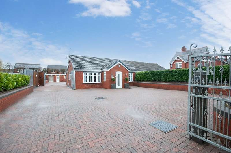 3 Bedrooms Bungalow for sale in Crow Lane West, Newton-le-Willows, WA12