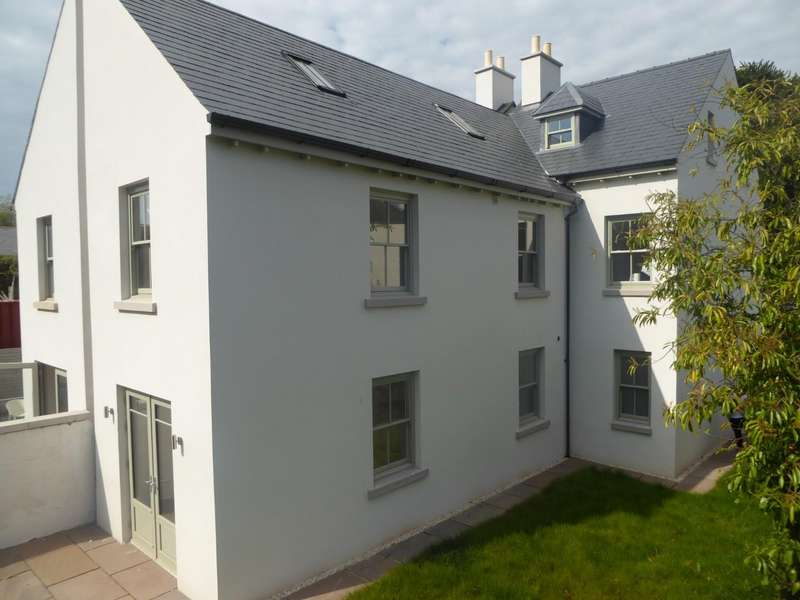 5 Bedrooms Property for sale in Little Hervells Court, Chepstow