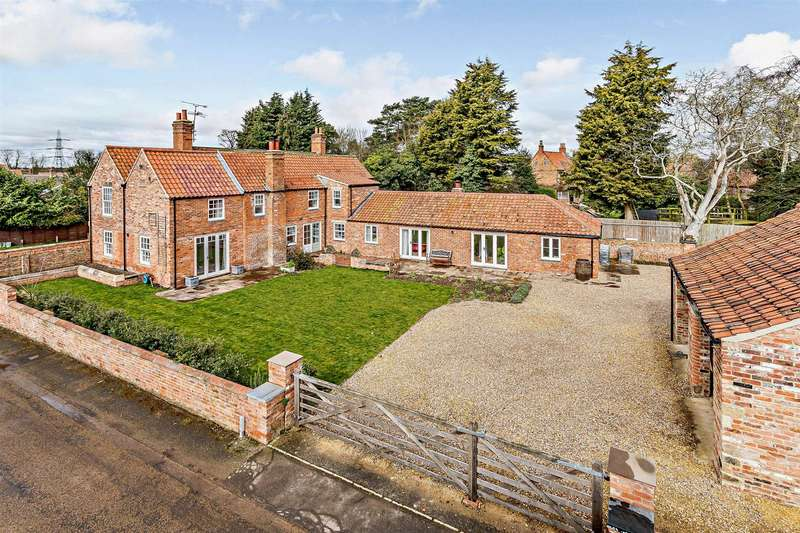 5 Bedrooms Detached House for sale in High Street, South Clifton, Newark