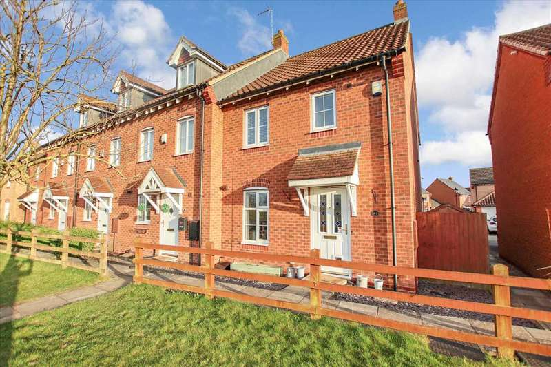 3 Bedrooms Semi Detached House for sale in Warren Lane, Witham St. Hughs, Witham St Hughs