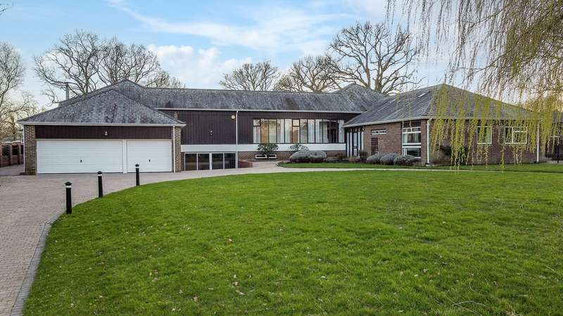5 Bedrooms Property for sale in Newtown, Hampshire