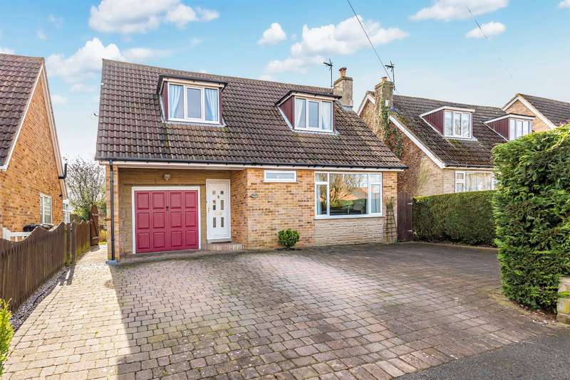 3 Bedrooms Detached House for sale in Red Bank Road, Ripon, HG4 2LE