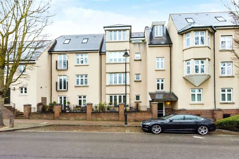 2 Bedrooms Apartment Flat for sale in Ingress Park Avenue, Greenhithe, Kent, DA9 9GN