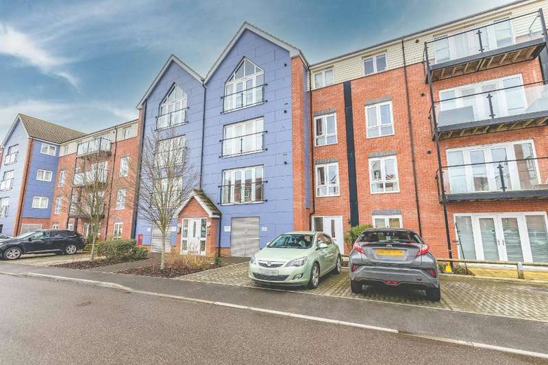 2 Bedrooms Flat for sale in Chadwick Road, Langley, SL3 7FU