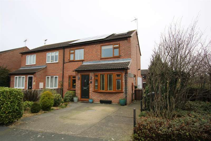 2 Bedrooms Semi Detached House for sale in The Blackthorns, Sleaford