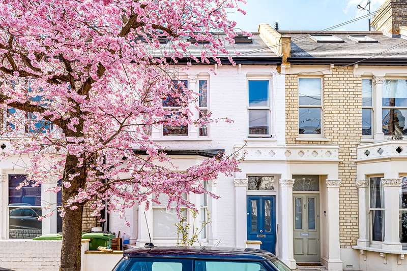2 Bedrooms Apartment Flat for sale in Gransden Road, London, W12