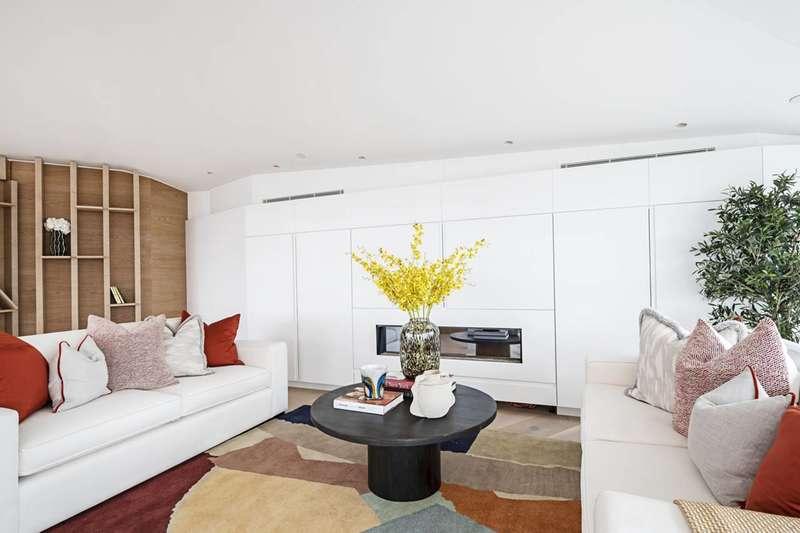 3 Bedrooms Flat for sale in City Road, Old Street, EC1V