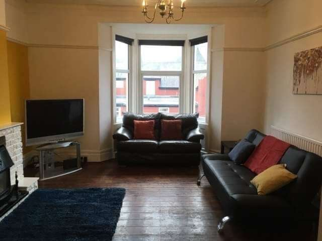 4 Bedrooms Maisonette Flat for rent in Welbeck Road, Old Walker, NE6 4JL