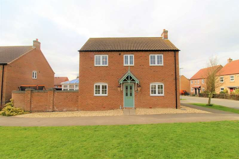 3 Bedrooms Detached House for sale in Knowles Way, Lincoln, Lincolnshire, LN3