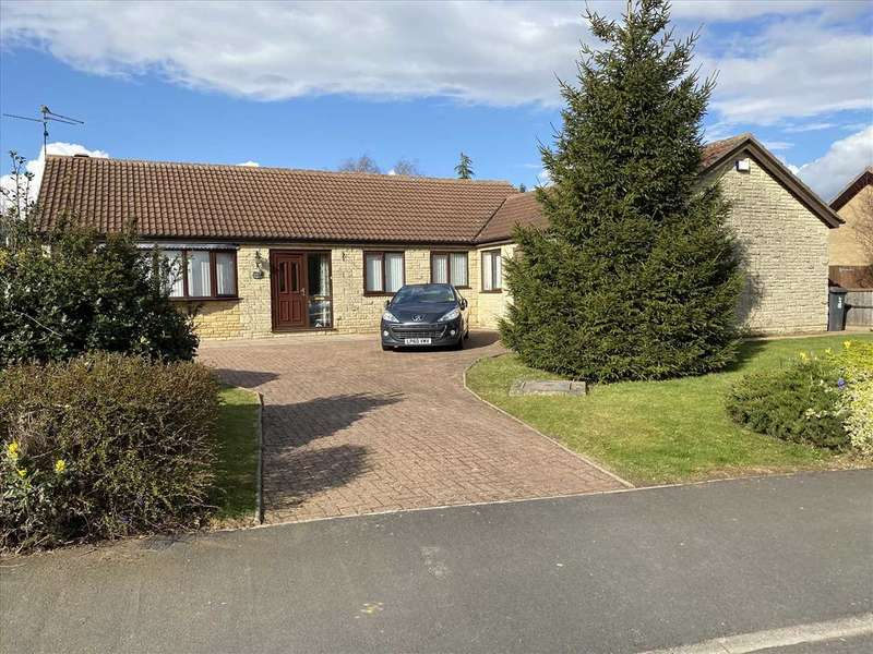 4 Bedrooms Detached Bungalow for sale in Ancaster Drive, Sleaford