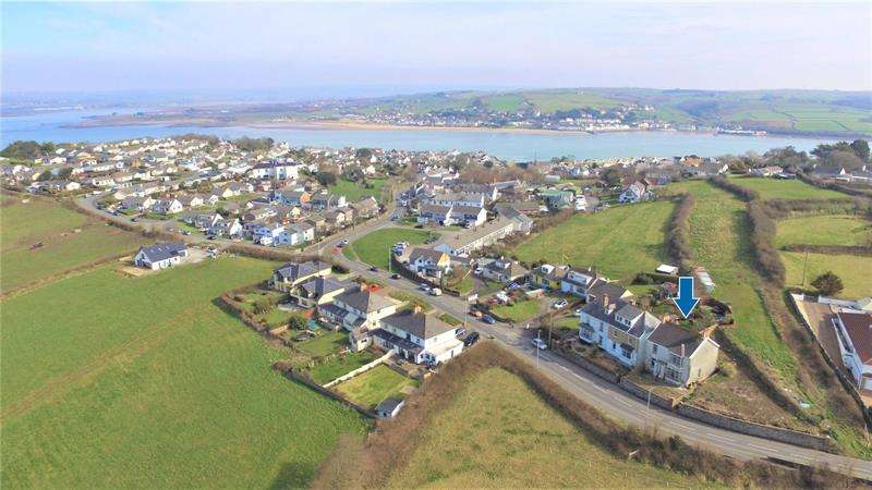 4 Bedrooms Detached House for sale in Churchill Way, Appledore, Bideford, EX39