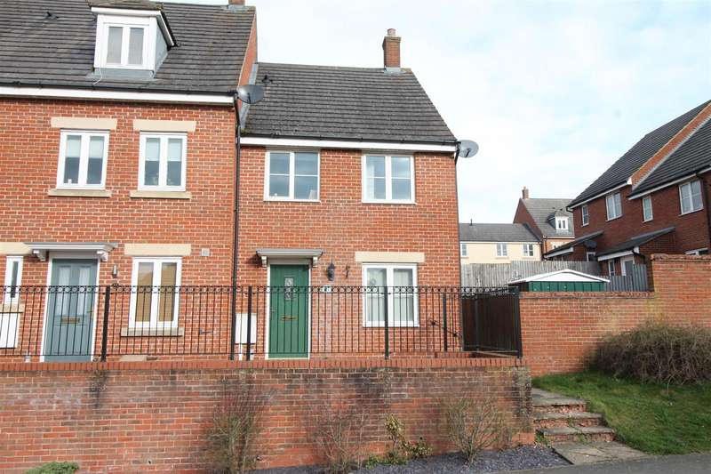3 Bedrooms House for sale in Farnborough Drive, Daventry