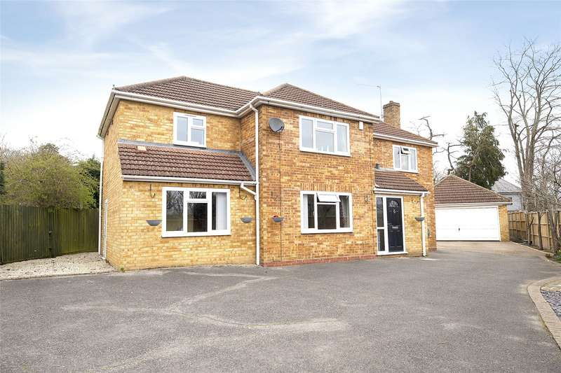 4 Bedrooms Detached House for sale in Moffats Close, Sandhurst, Berkshire, GU47