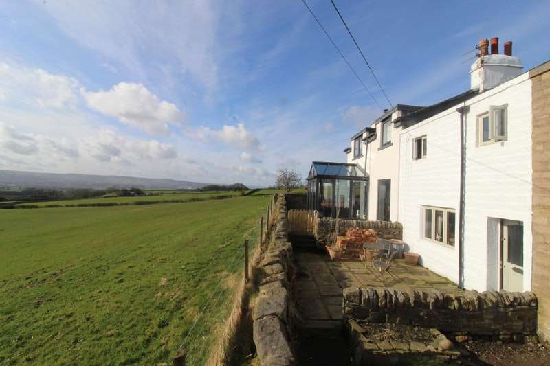 2 Bedrooms Terraced House for sale in Ousel Rock Cottages, Roughlee, Lancashire, BB12