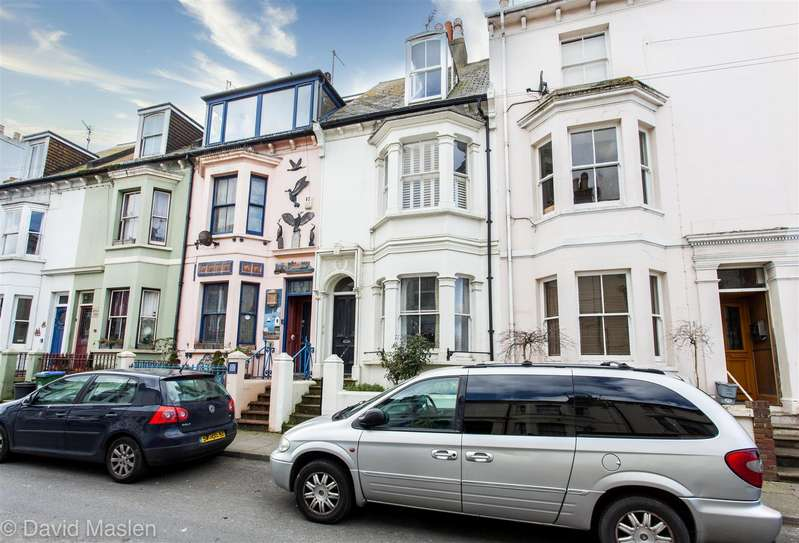 3 Bedrooms Terraced House for sale in Meeching Road, Newhaven