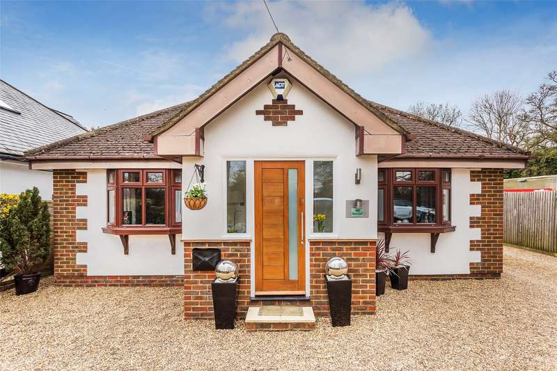 3 Bedrooms Detached House for sale in Leigh Road, Betchworth, RH3