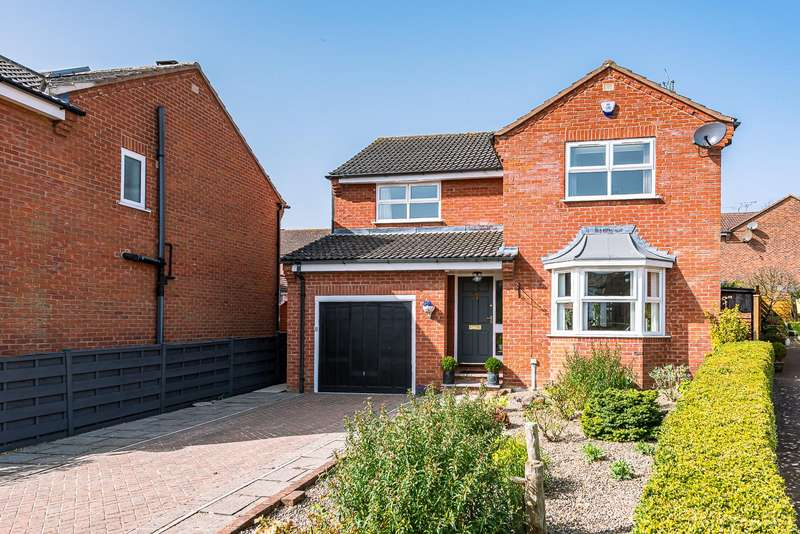 4 Bedrooms Detached House for sale in 21 Colling Wood Gardens, Malton, North Yorkshire YO17 7YQ