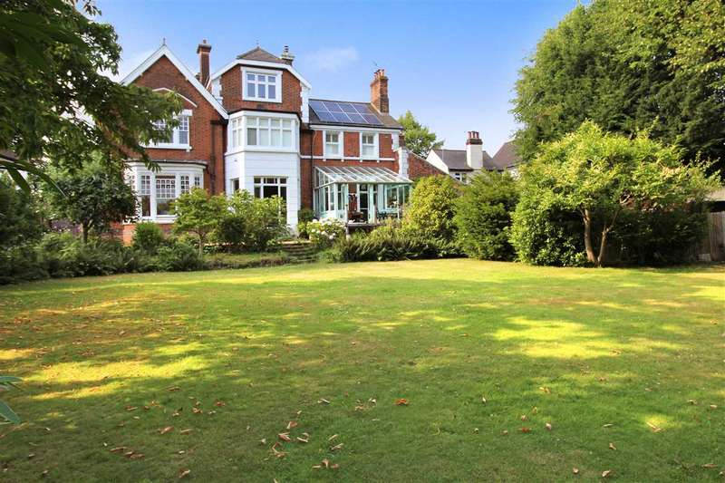 5 Bedrooms Apartment Flat for sale in Park House, Cornsland, Brentwood