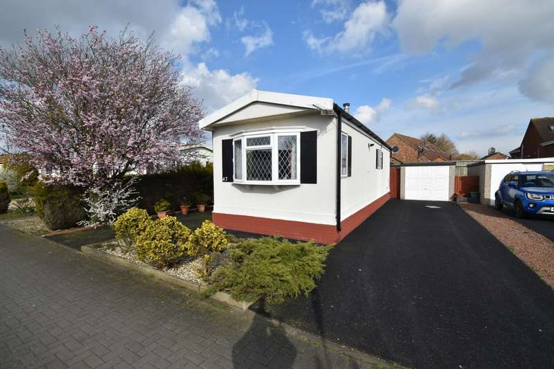1 Bedroom Park Home Mobile Home for sale in Kingfisher Drive, Skegness, PE25