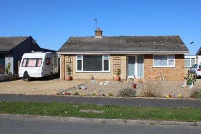 3 Bedrooms Bungalow for sale in Overstrand, Norfolk