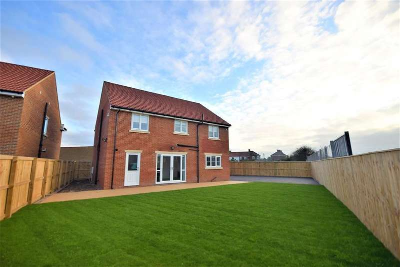 4 Bedrooms Detached House for sale in Kings Court, Horden, County Durham, SR8 4TB
