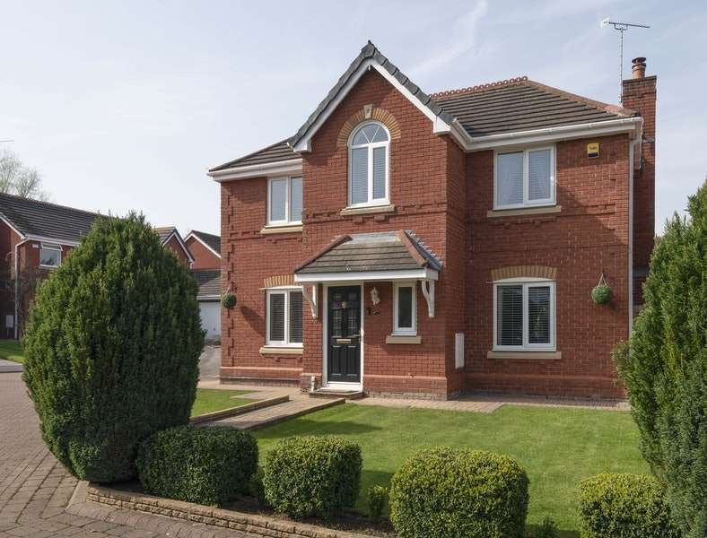 4 Bedrooms Detached House for sale in Watermead Drive, Runcorn, Cheshire, WA7