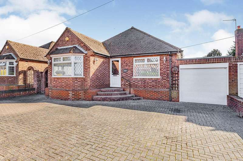 3 Bedrooms Detached Bungalow for sale in Mayfield Gardens, Staines-upon-Thames, Surrey, TW18