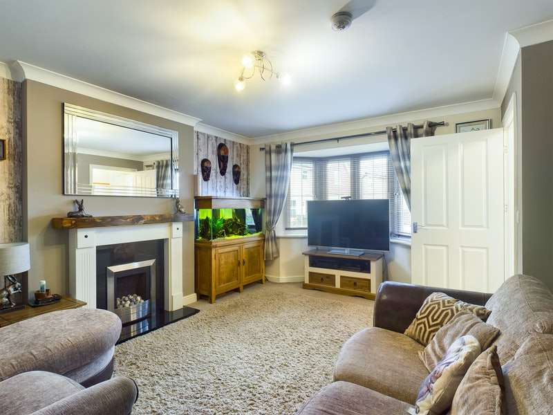 3 Bedrooms End Of Terrace House for sale in Brocklesby Avenue, Immingham, Lincolnshire, DN40