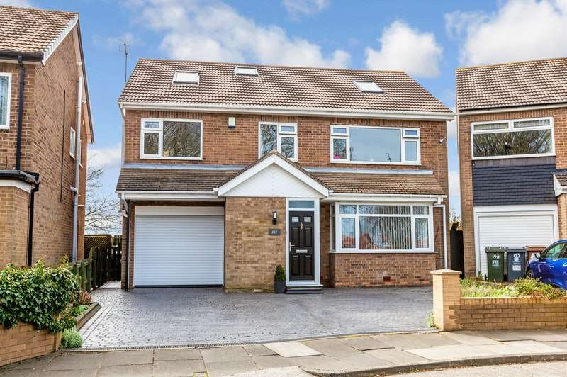 6 Bedrooms Detached House for sale in Seatonville Road, Whitley Bay, Tyne and Wear, NE25