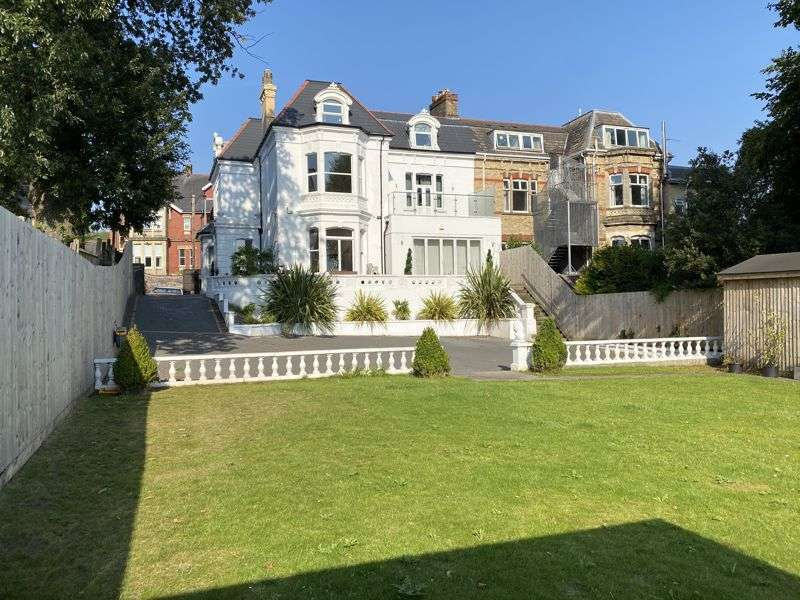 7 Bedrooms Property for sale in Stow Park Avenue, Newport