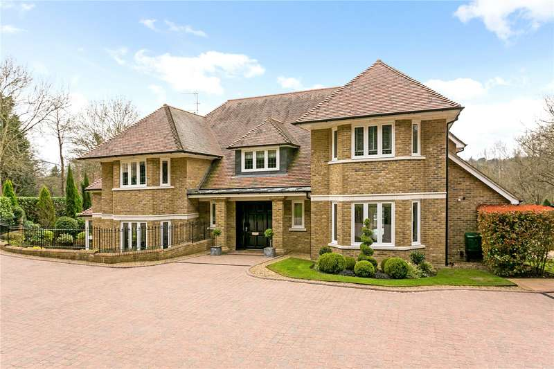 5 Bedrooms Detached House for sale in Trout Rise, Loudwater, Rickmansworth, WD3