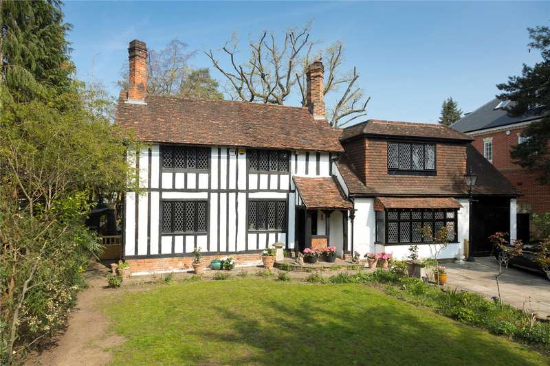 3 Bedrooms Detached House for sale in Coombe Hill Road, Kingston upon Thames, KT2
