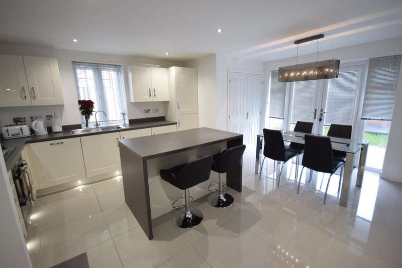 3 Bedrooms Semi Detached House for sale in Ward Road, Castleford