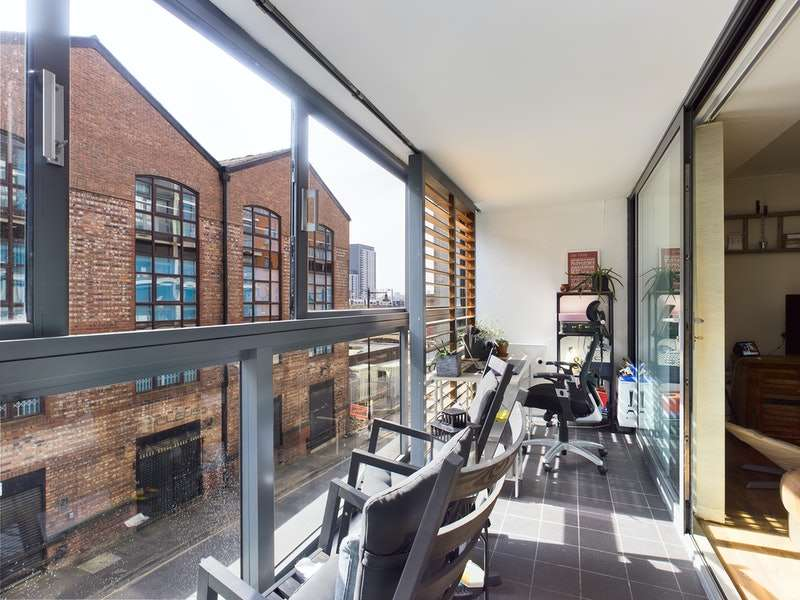 2 Bedrooms Flat for sale in Liverpool Road, Manchester, Greater Manchester, M3