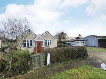 1 Bedroom Bungalow for sale in Fobbing, Stanford Le Hope, Essex