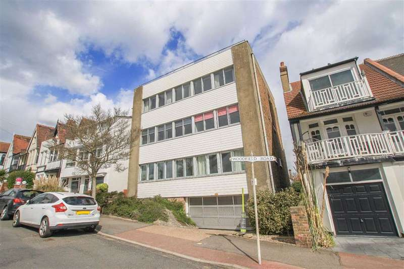 3 Bedrooms Flat for sale in Woodfield Road, Leigh-On-Sea, Essex