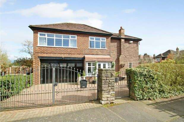 4 Bedrooms Detached House for sale in Cecil Avenue, Sale