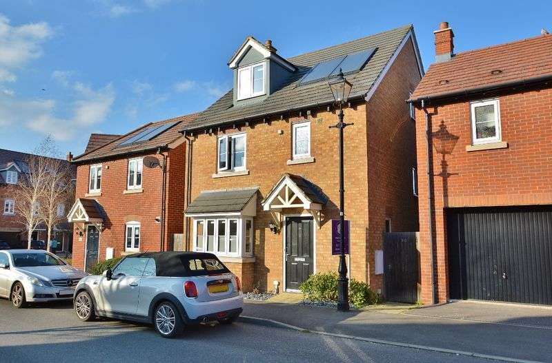 4 Bedrooms Property for sale in Corbetts Way, Thame
